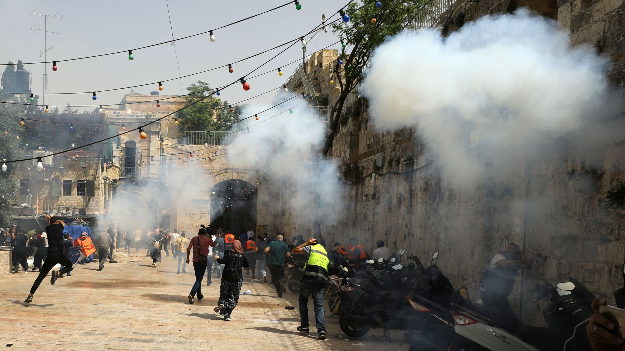 End the pogrom in Jerusalem